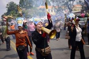 Thirteen Detained Veng Sreng Activists to Face Court InApril