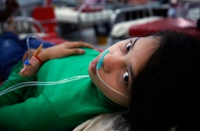 Scores Fall Sick at Cambodian GarmentFactories