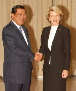 hun-sen-julie-bishop