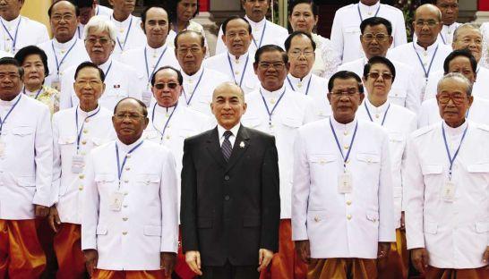 King Norodom Sihamoni and Prime Minister Hun Sen (Sreng Meng Srun)