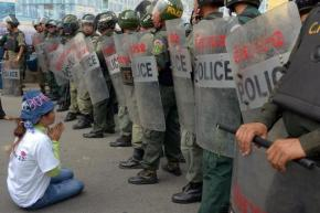 20,000 Cambodian Garment Workers Strike Over Bonus