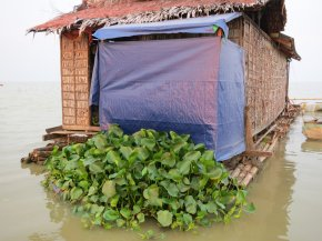 Floating Toilets That Clean Themselves Grow On Tonle Sap